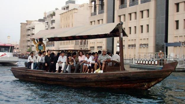 Vodní taxi abra