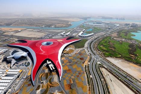 Zábavní park Ferrari World v Abú Dhábí | © Aziz J.Hayat